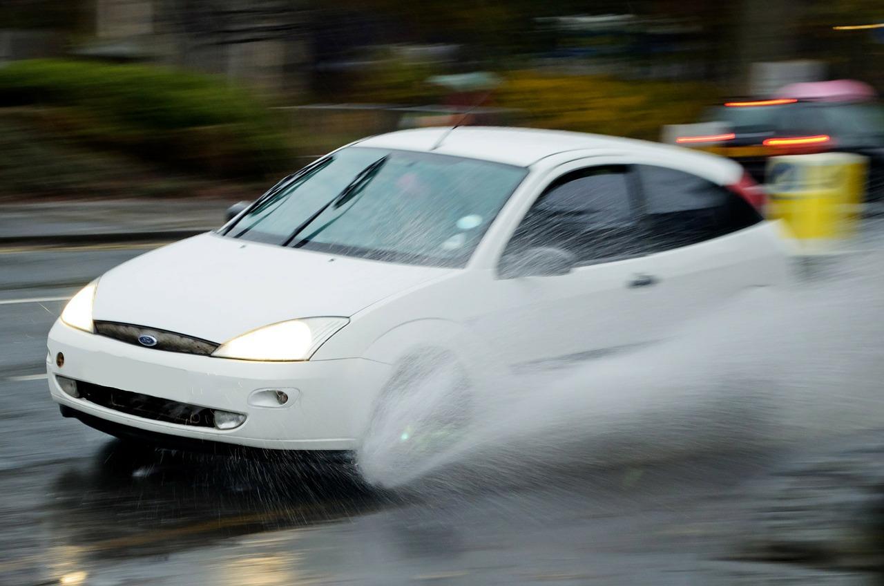 Wie hoch fallen die Bremsflüssigkeit wechseln Kosten aus?